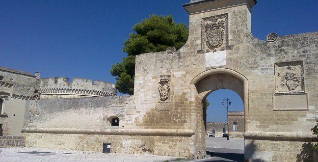 (Italiano) BORGO DI ACAYA – Fortezza del Salento