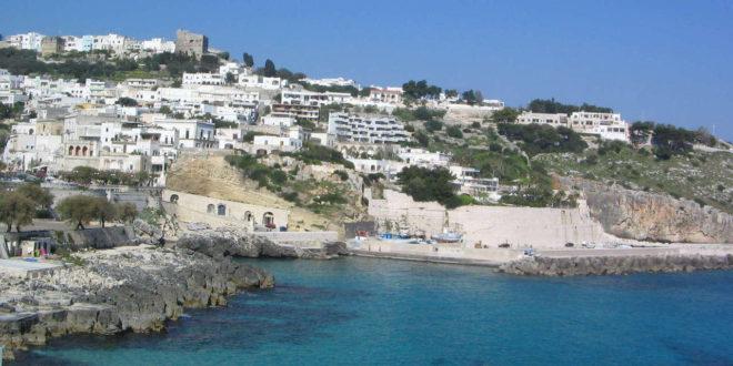 (Italiano) CASTRO MARINA – Tra le Grotte ed il Mare Blu