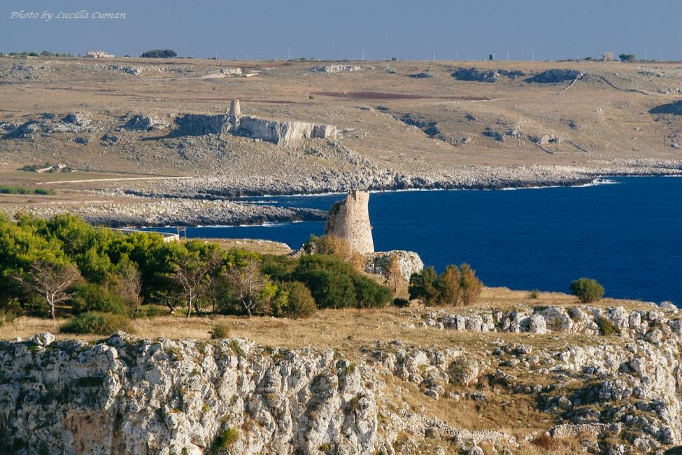 Otranto paesaggio Costiero con antiche torri di avvistamento Otranto Coastal landscape with ancient watchtowers (1)