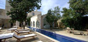 villa con piscina salento vancaze settembre