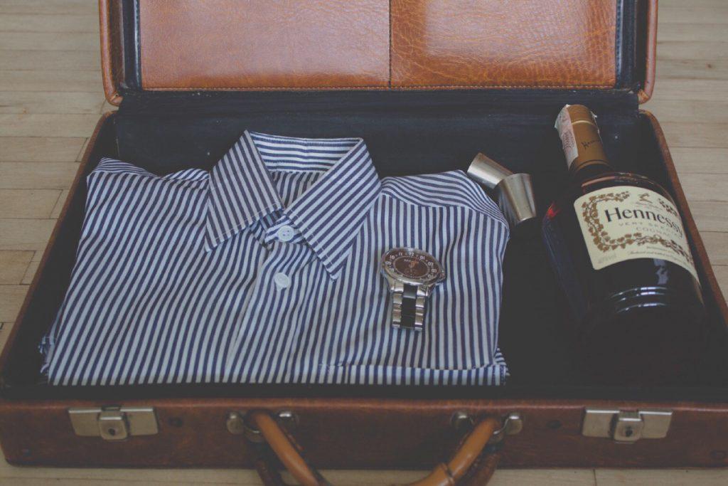 spazio vuoto in valigia per mettere il vino