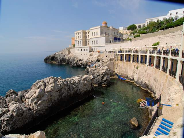 7 natural pools of puglia - Piscina sulfurea santa cesarea terme ...