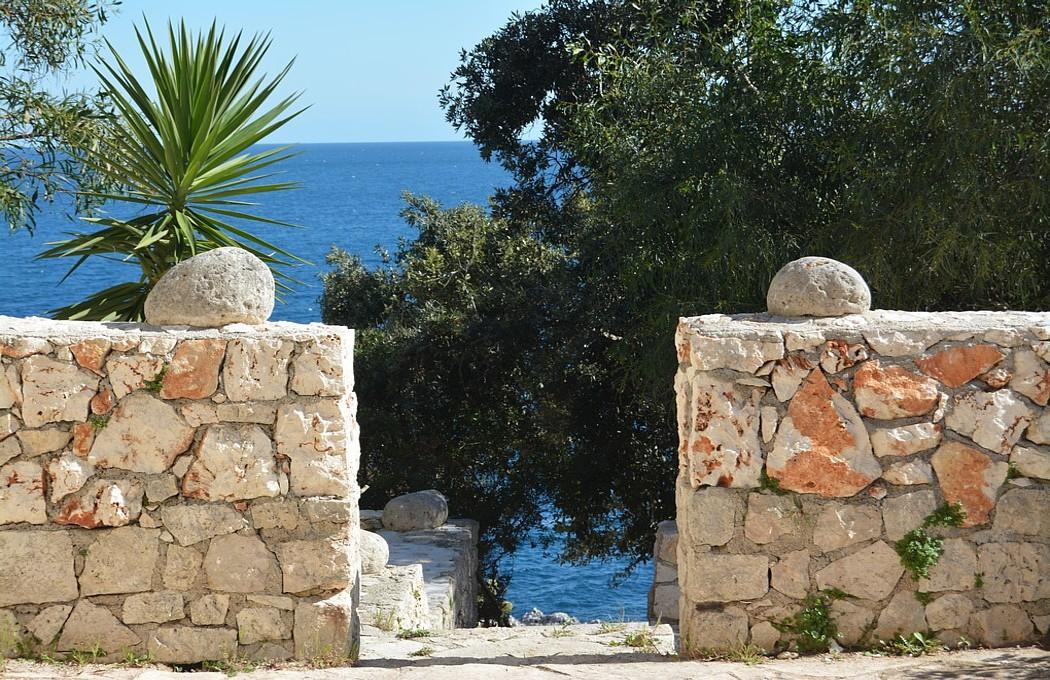 ville con accesso diretto al mare del Salento