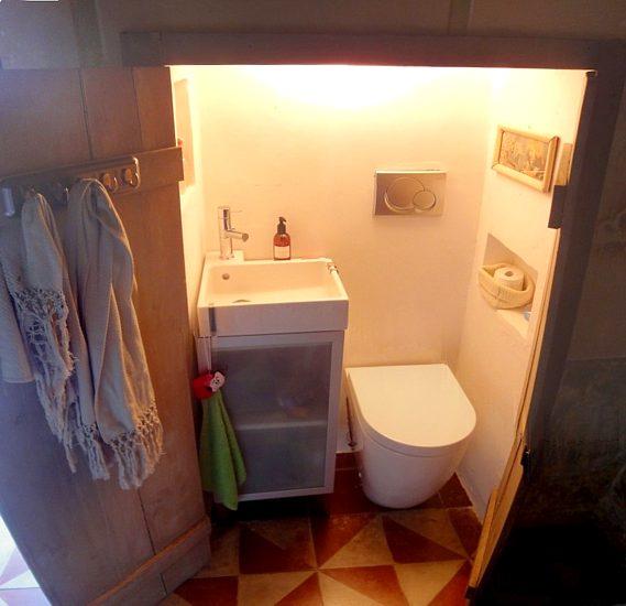 Casa Daniela, piccolo bagno di servizio... segreto