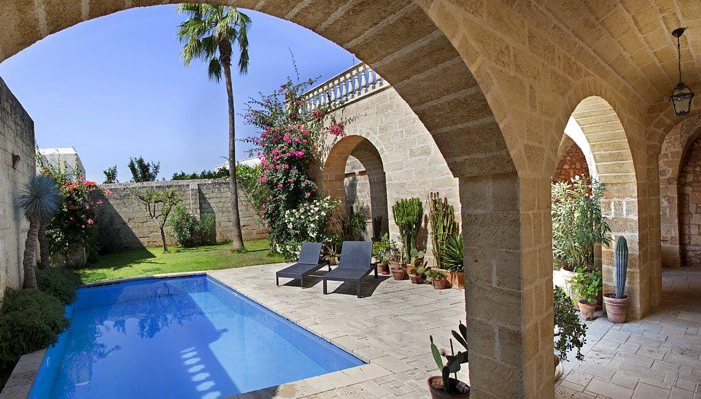 palazzo tre cuori piscina e giardino santa maria di leuca salve