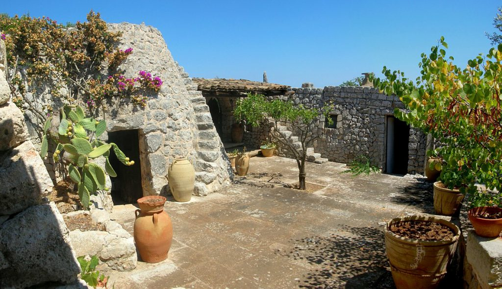 Villa adriatica, trulli - booking@salentodolcevita.com