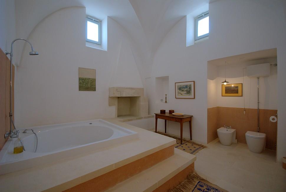 bagno palazzo artes villa nel salento