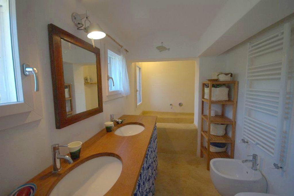 villa genziana_trullo_ostuni bagno 2