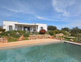 Three villas surrounded by the true nature of Salento