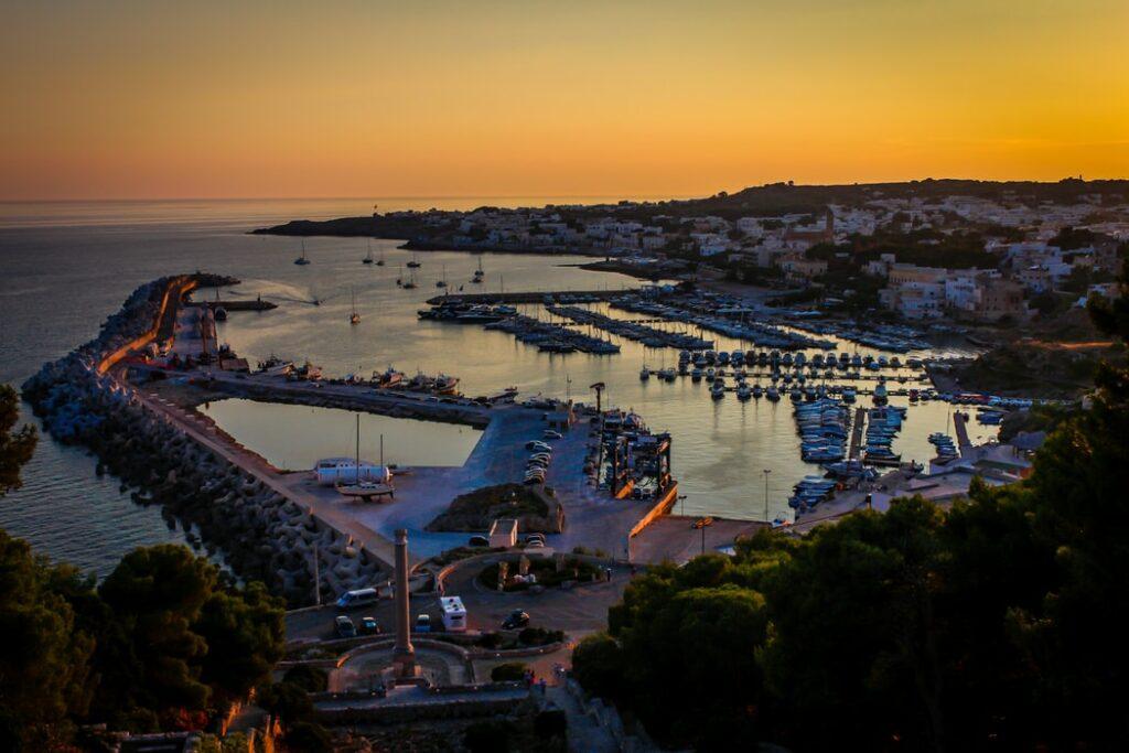 vista aerea di santa maria di leuca e porto