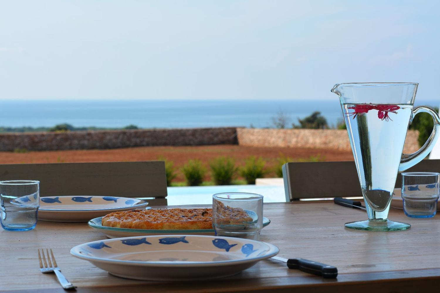 Furnished and equipped Patio with Sea View detail