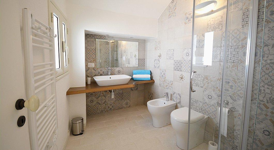 Unit B - First floor - Bathroom
