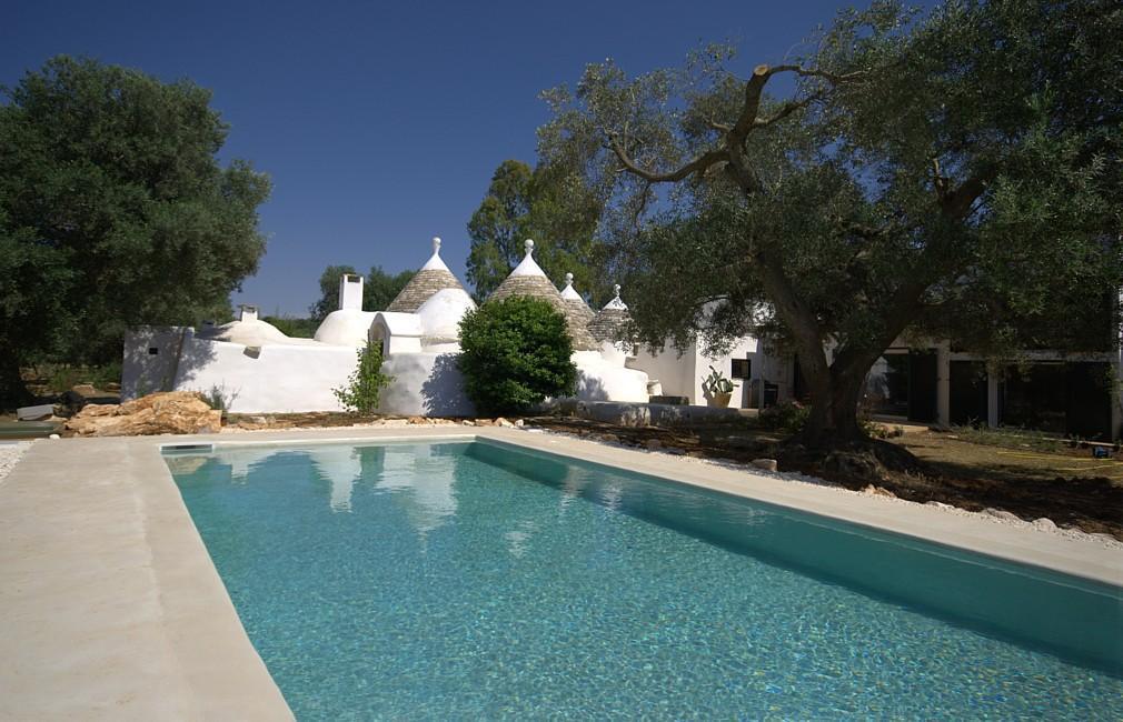 Puglia vacanze in affitto a san michele salentino trulli con piscina - Masseria in puglia con piscina ...