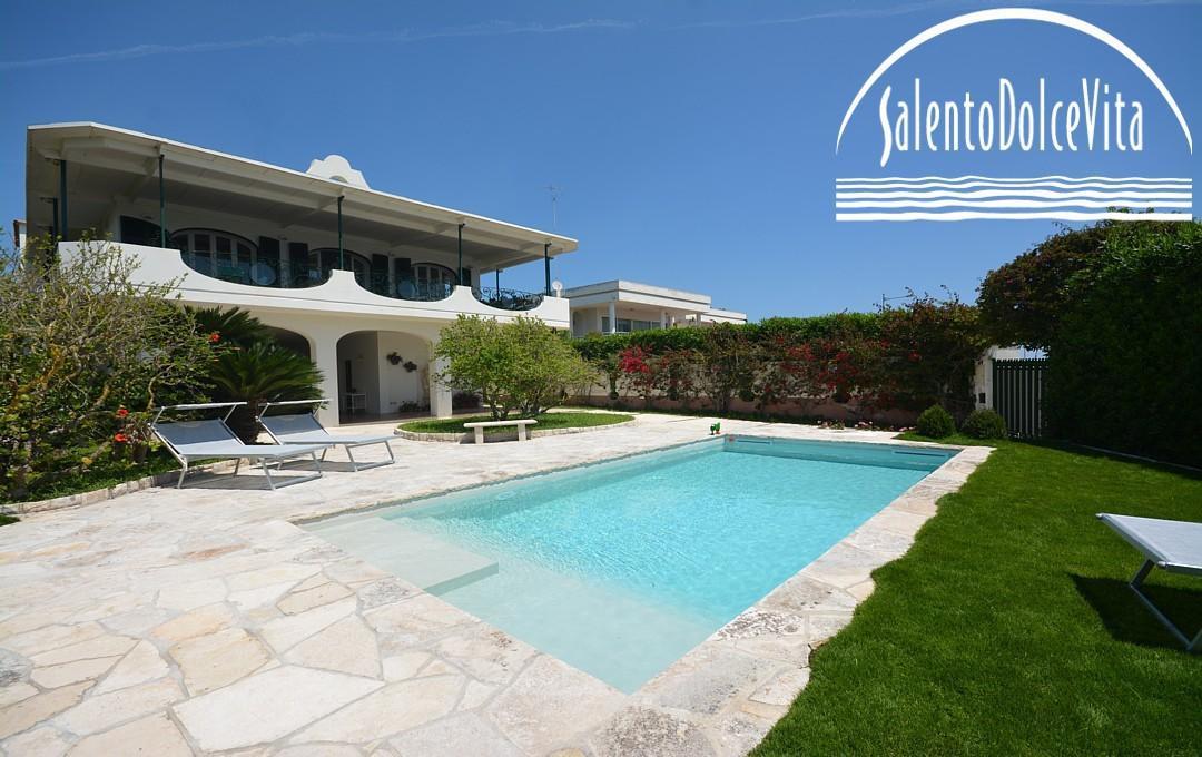Affitto salento case al mare ville di lusso masserie - Villa con piscina salento ...