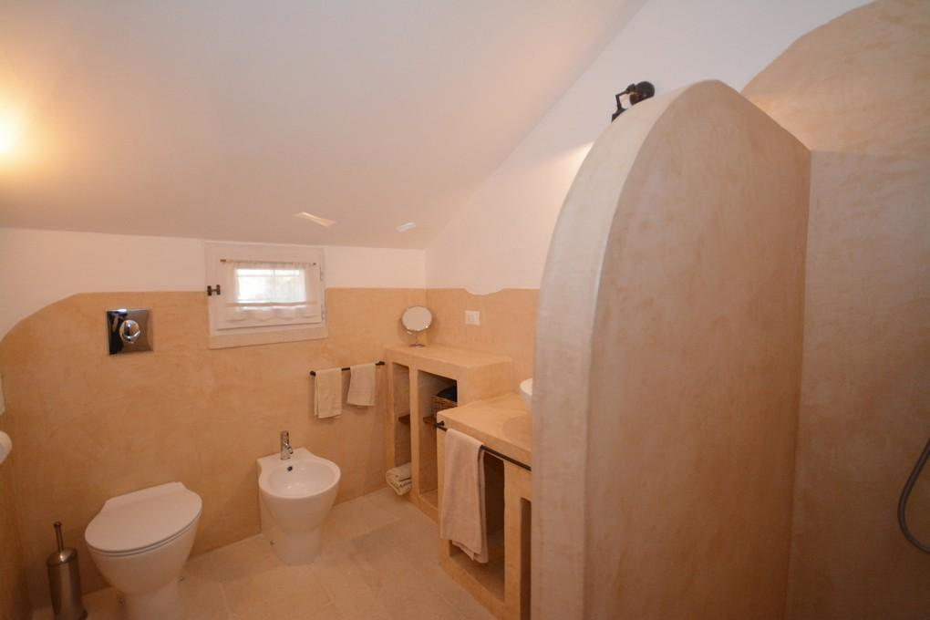 Bathroom - bedroom D